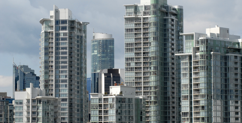 Average, median monthly rents in Canada fell for the 2nd straight month: report