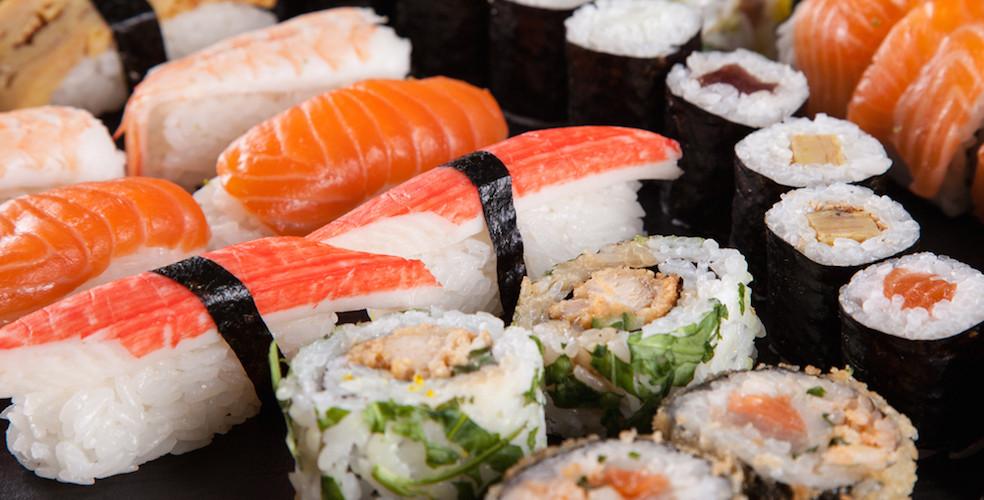 Sushi shutterstock 984x500