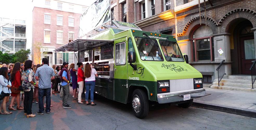 Shutterstock food truck 984x500