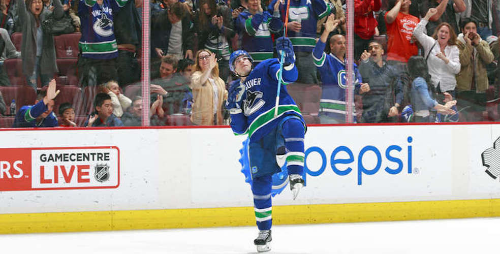 Yes of course Alex Burrows belongs in the Canucks' Ring of Honour