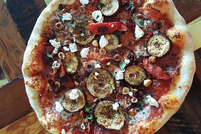 Pizzeria Farina / Facebook