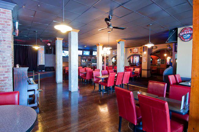 Pat's Pub & Brewhouse / Facebook