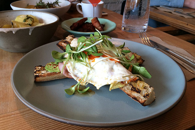 Chili Fried Eggs (Jess Fleming / Vancity Buzz)