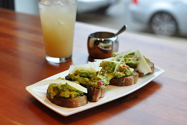 Chopped Avocado on Toast (Jess Fleming / Vancity Buzz)