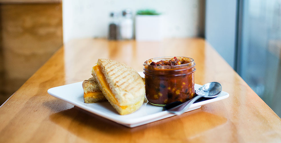 Walllflower grilled cheese chili 984x500