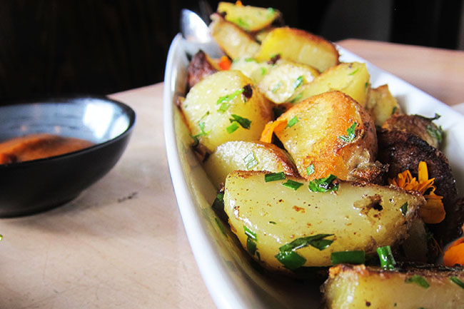 Slow Cooked New Potatoes (Jess Fleming / Daily Hive)