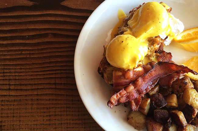 Pulled pork eggs benny (Jess Fleming / Daily Hive)