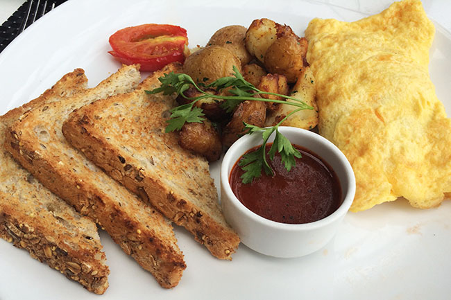 The Dockside omelette (Jess Fleming / Daily Hive)