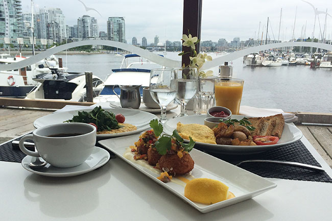 Brunch at Dockside Restaurant (Jess Fleming / Daily Hive)