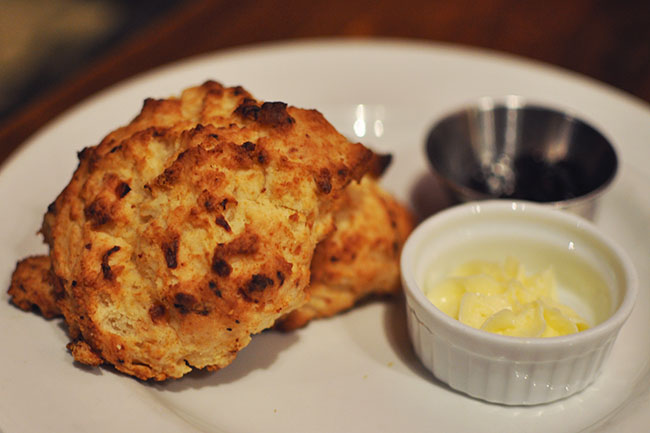 Asiago Scones (Jess Fleming / Daily Hive)