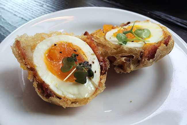Crispy bacon and egg (Jess Fleming/Daily Hive)
