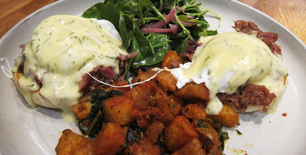The Ultimate Vancouver Brunch Guide: The Oakwood Canadian Bistro