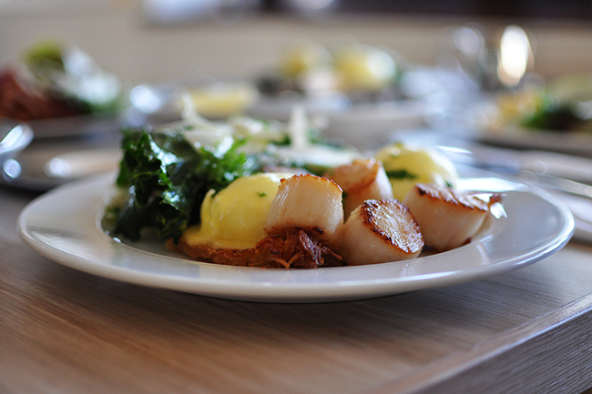 Scallop Eggs Benny (Jess Fleming / Daily Hive)