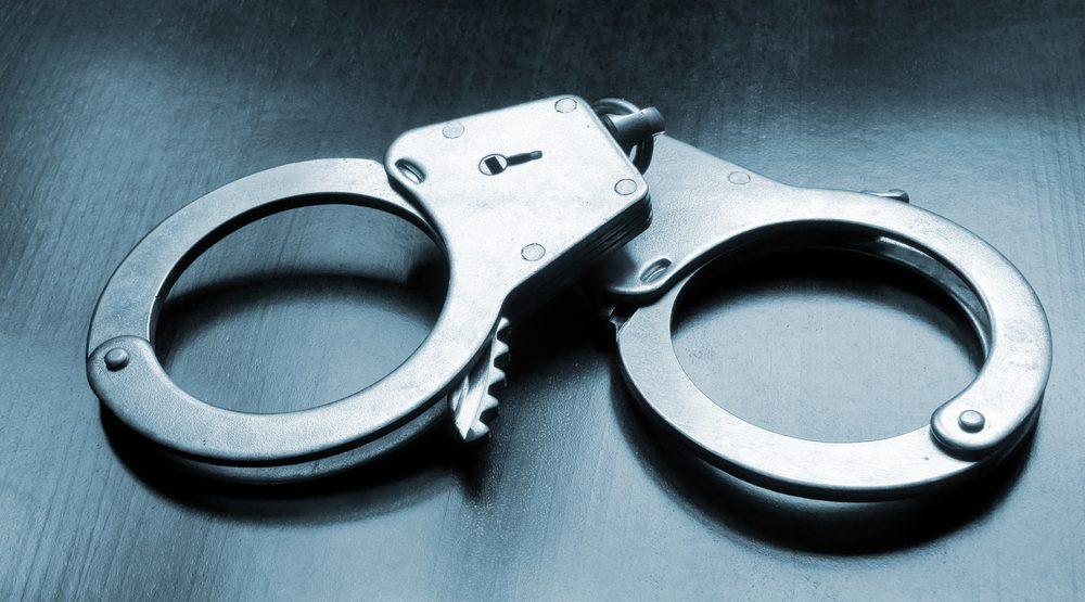 Handcuffs crime police e1477618088343
