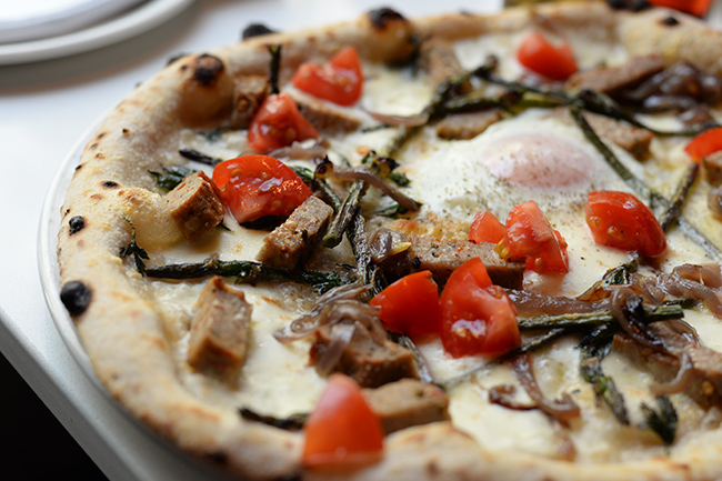 Brunch-inspired pizza at Nicili Antica Pizzeria (Jess Fleming / Daily Hive)