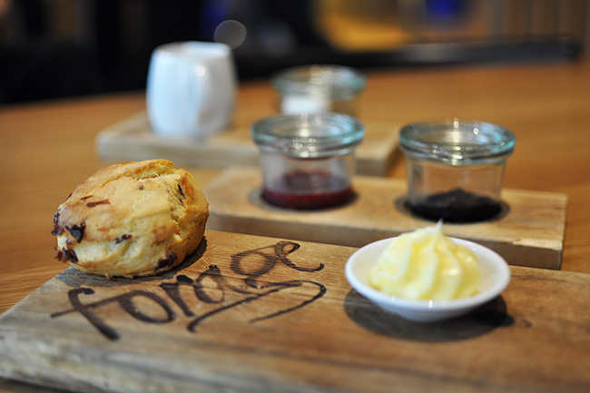 Scones and honey butter (Jess Fleming / Daily Hive)