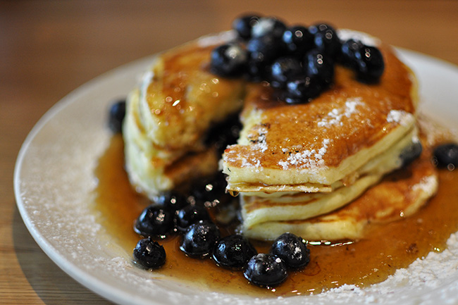 Buttermilk pancakes (Jess Fleming / Daily Hive)