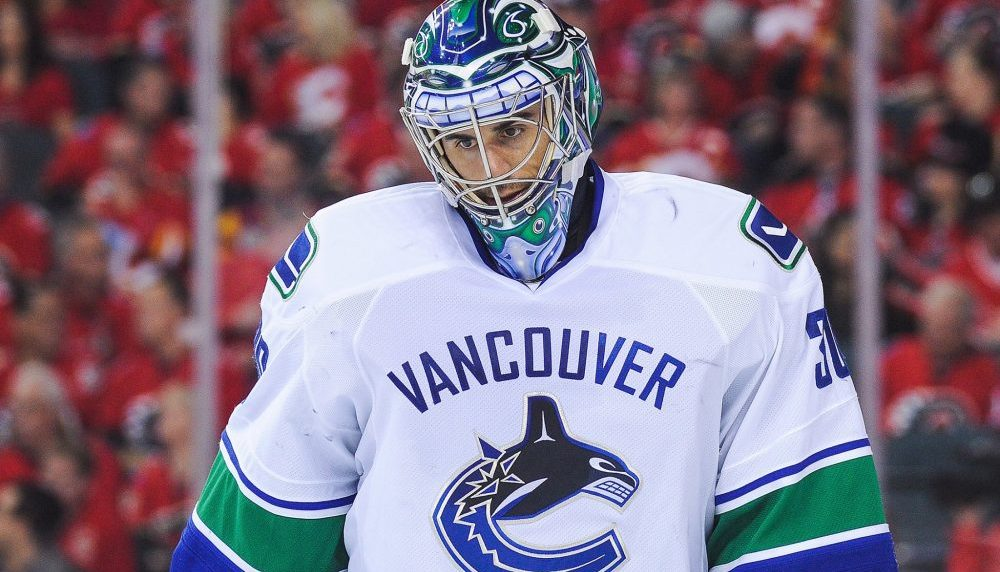 Another goalie controversy looms for Canucks