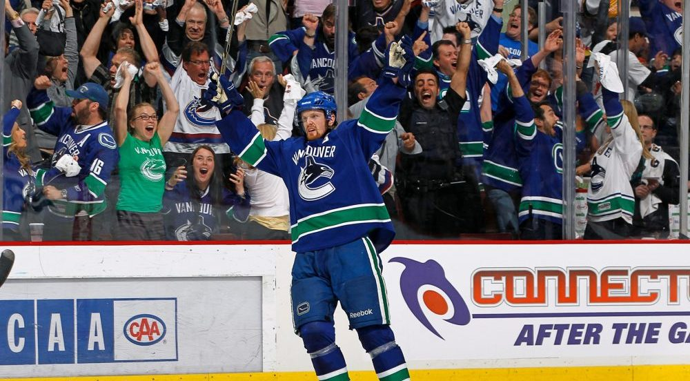 Henrik Sedin wins King Clancy Memorial Trophy for leadership on and off the ice