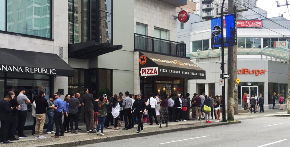 Burger mania: Hundreds line up for CaliBurger's opening day