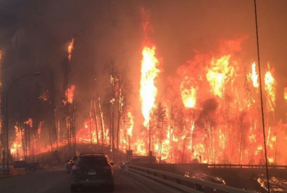 All residents of Fort McMurray Alberta are under mandatory evacuation (PHOTOS)