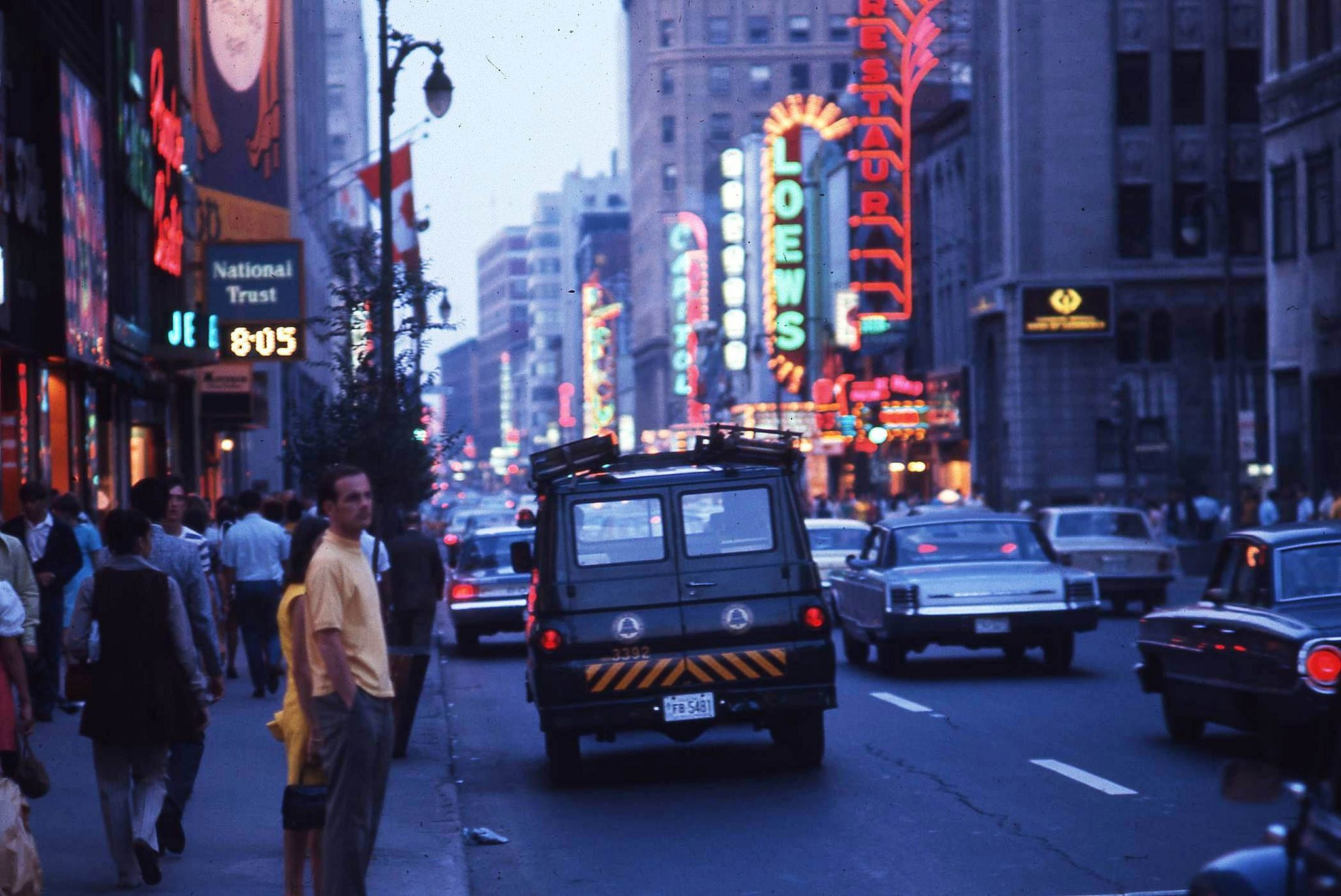 27 vintage photos of Montreal in the 1960s