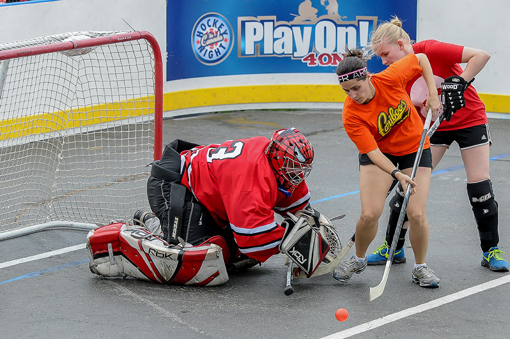 Women playing street hockey at Hockey Night In Canada's Play On! in 2015 (Play On!)
