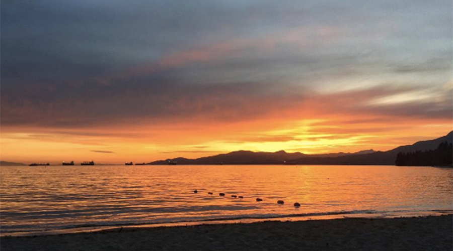 19 photos of a stunning Vancouver sunset