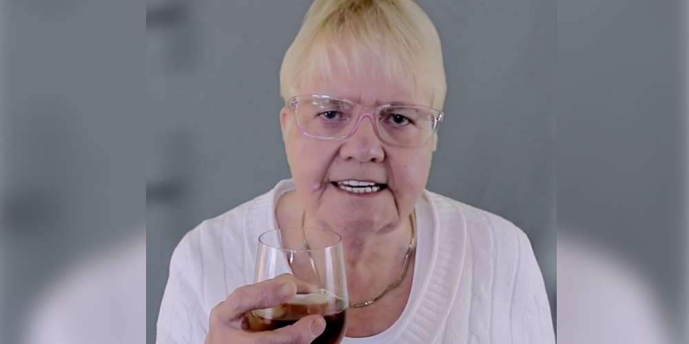 68-year-old Scottish woman raps Drake, is the Drizzy we deserve