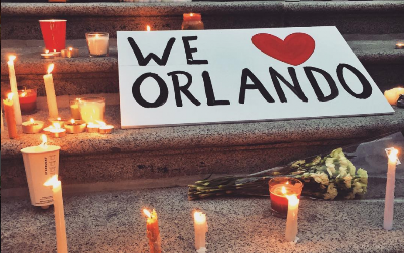 Hundreds gather at candlelight vigil for Orlando victims in Vancouver