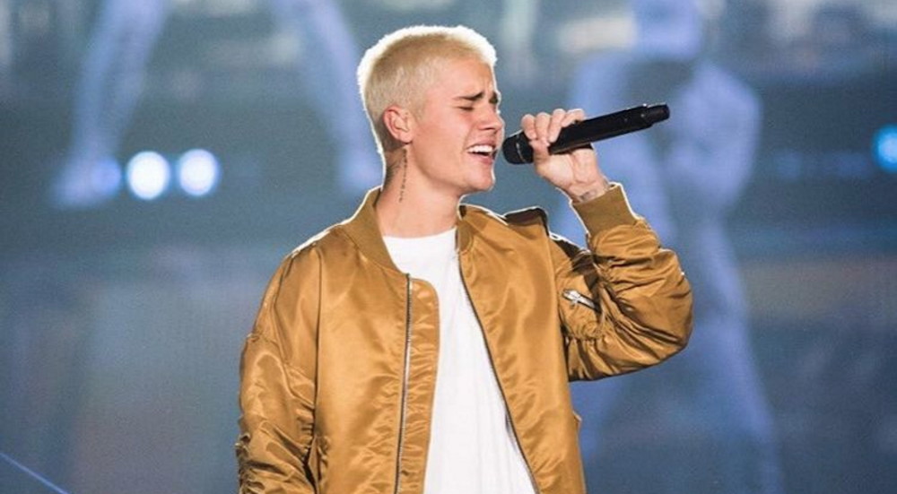 16 Photos and Videos from Justin Bieber's Calgary concert