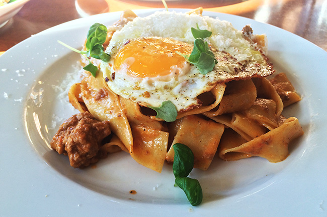 Pappardelle alla bolognese (Jess Fleming / Daily Hive)
