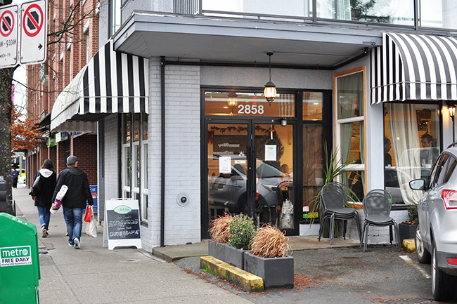 Thyme to Indulge's exterior (Jess Fleming / Daily Hive)