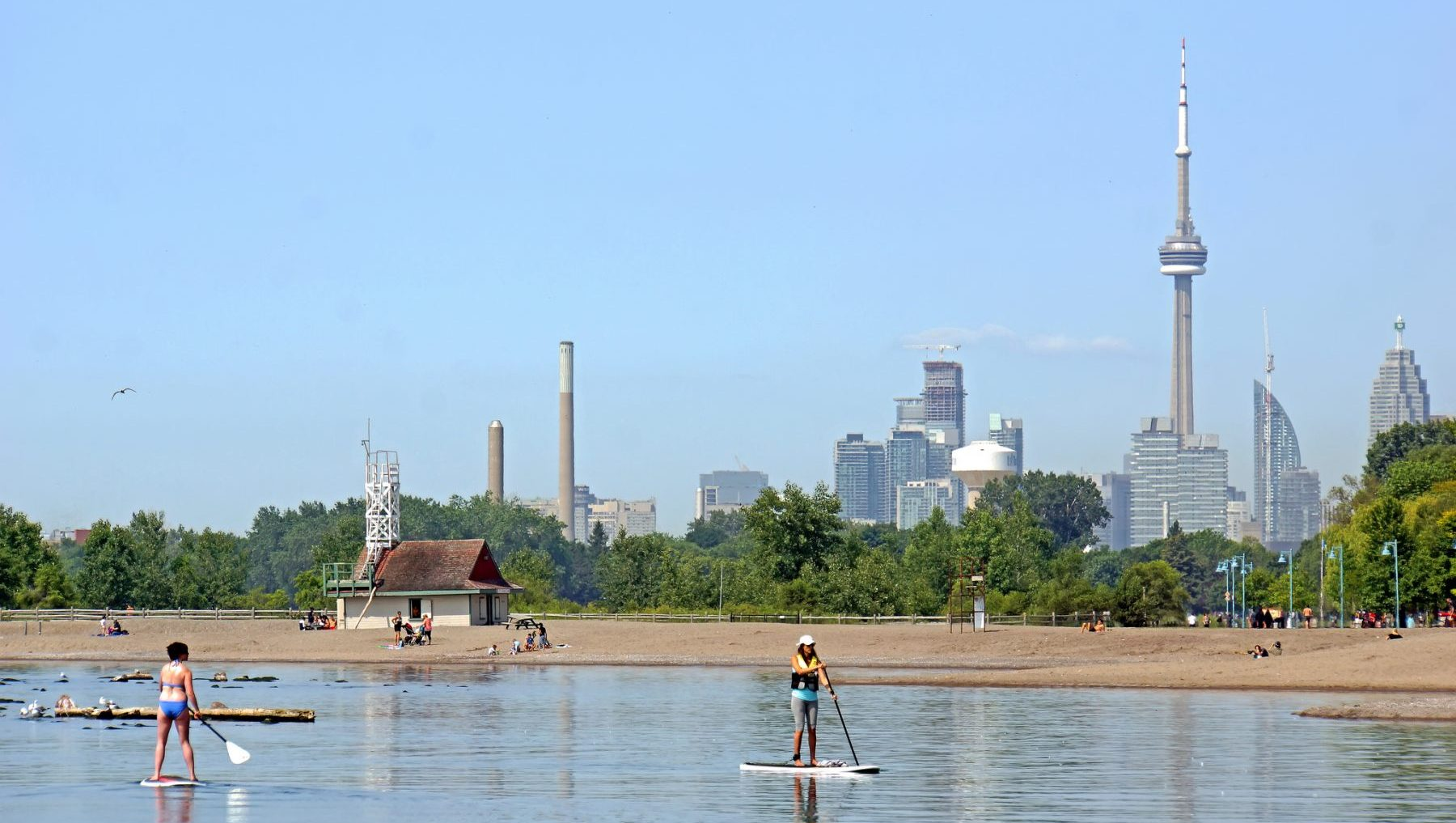 Toronto remains under heat warning as humid conditions continue