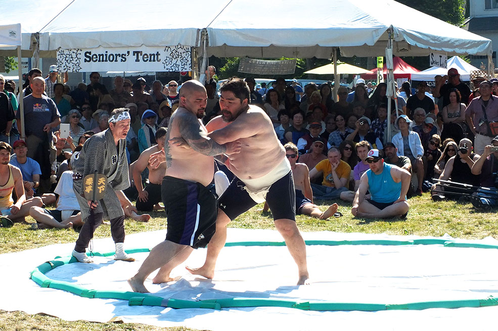 A sumo demonstration at Powell Street Festival (Noah Photography)