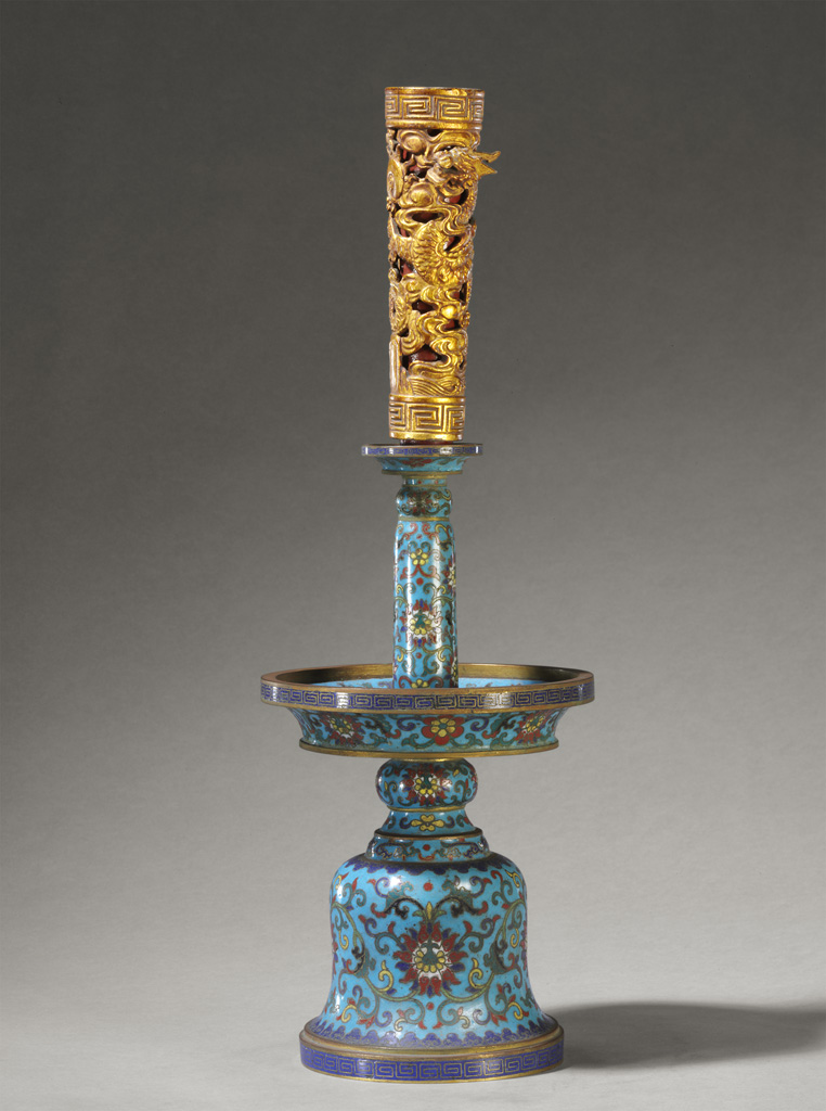 Altar set (candlestick), Qing dynasty, Qianlong period, cloisonné enamel on copper alloy, lacquered wood © The Palace Museum