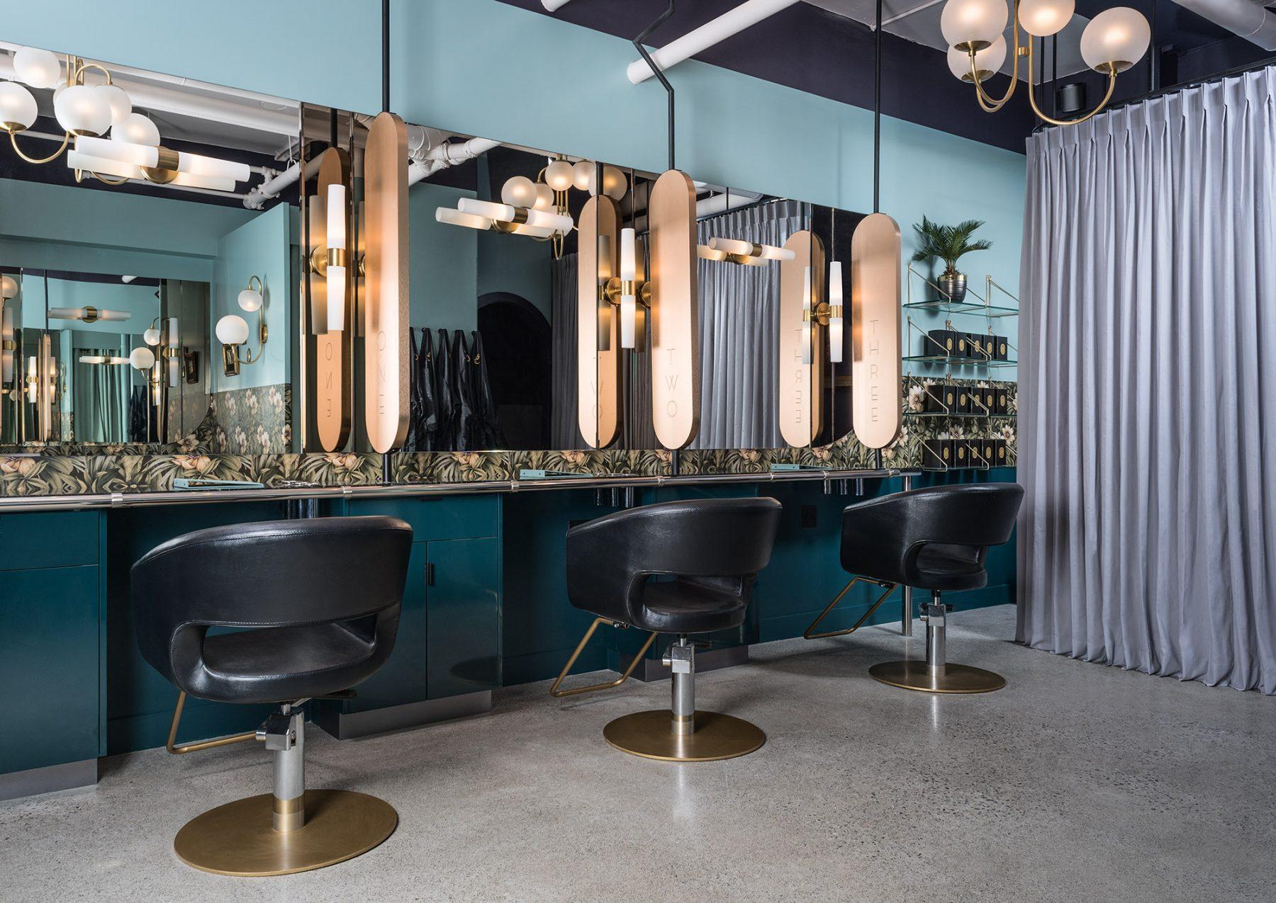 Kb glamoury widechairs