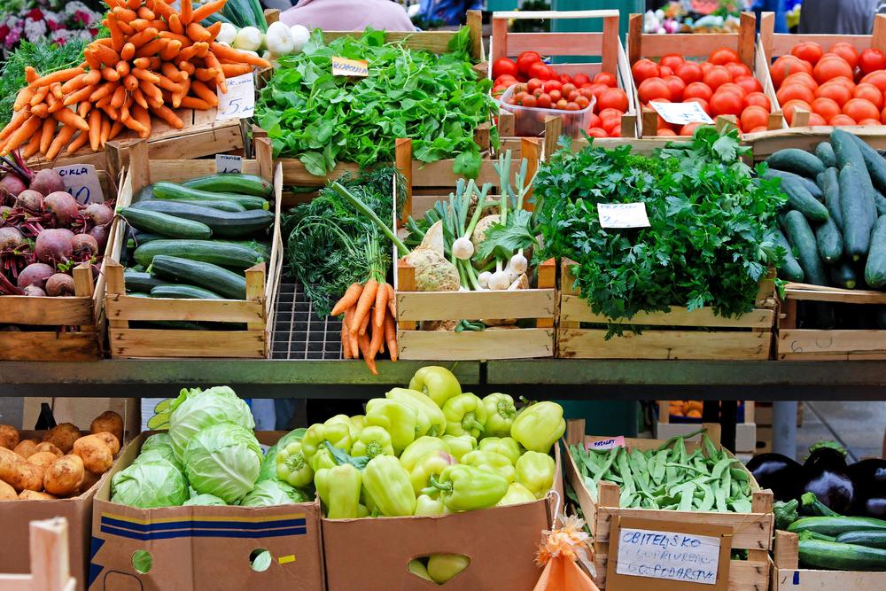 Farmers Market / Shutterstock