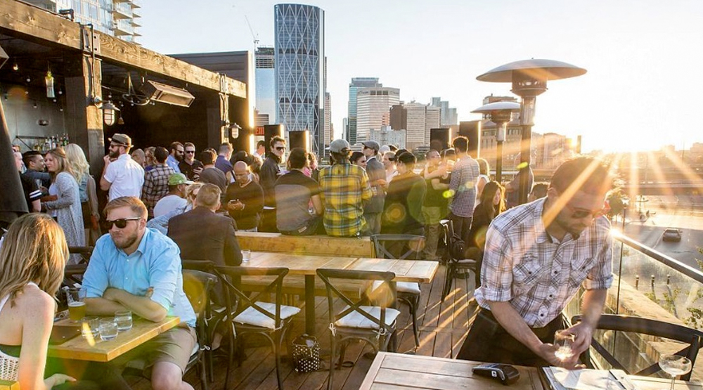 Rooftop Bar @ Simmons: Food, drinks, and an amazing view