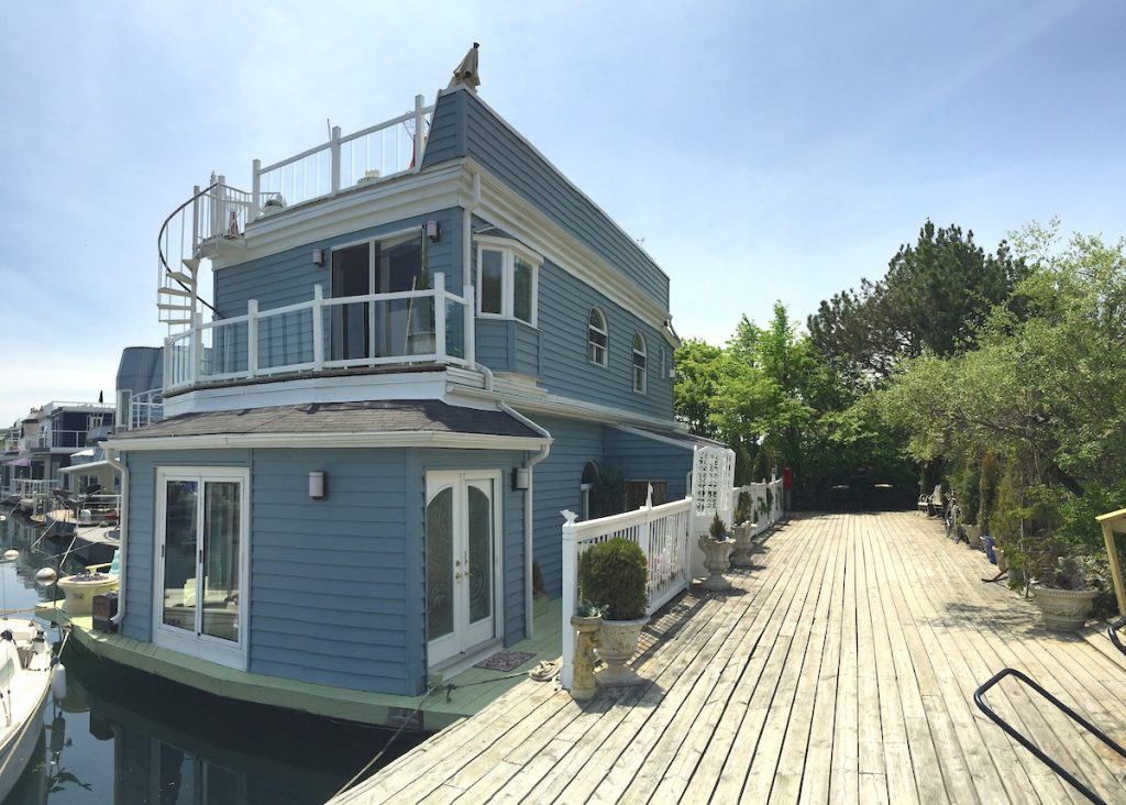 Floating Houses Toronto