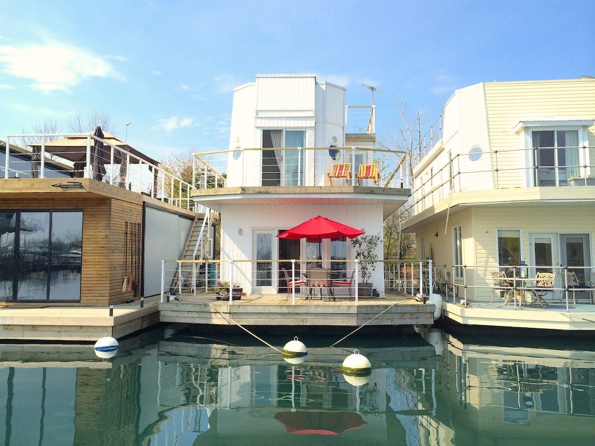 What it's like to live on one of Toronto's floating houses