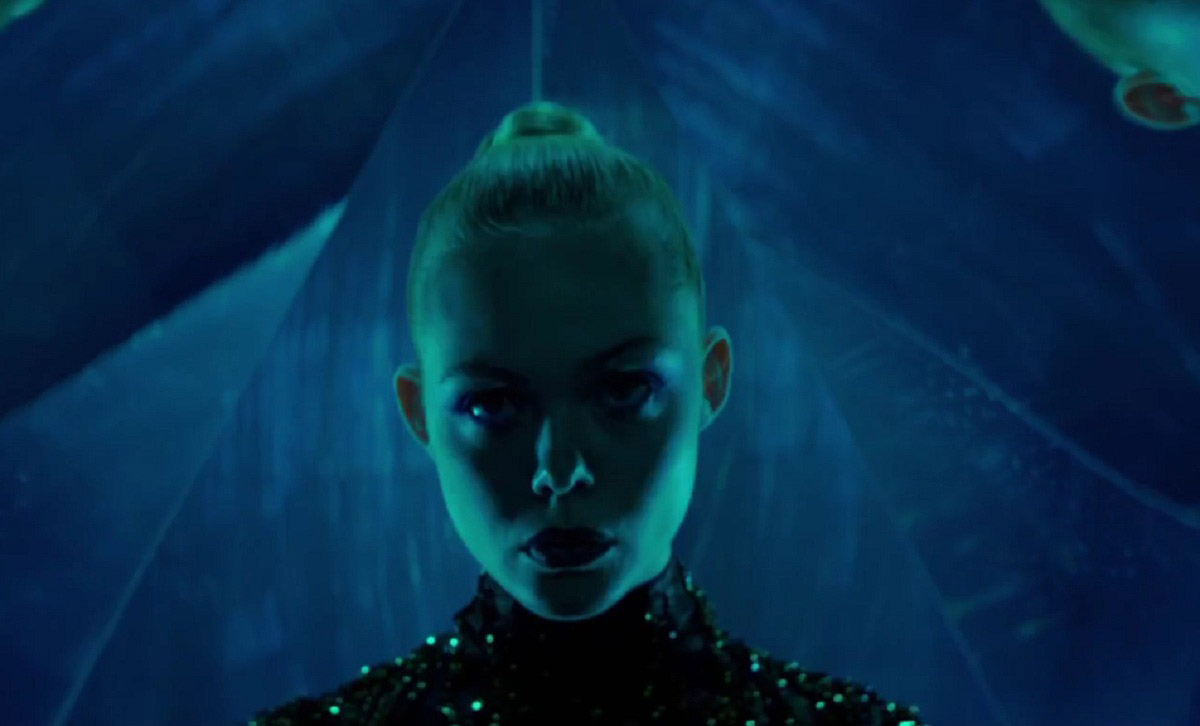 The Neon Demon Nichols Winding Review Movie 2016