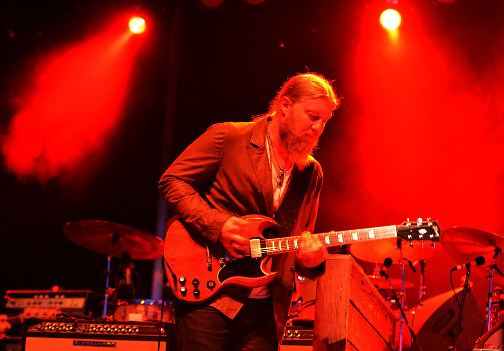Derek Trucks of the Tedeschi Trucks Band (Carl Lender/Flickr)