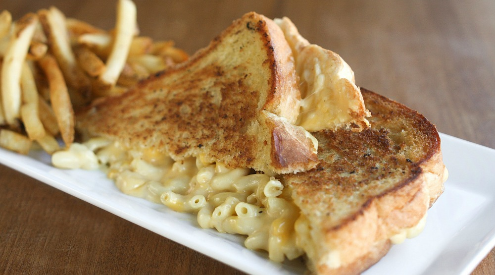 Macbar et Fromage brings mac and cheese goodness to Montreal