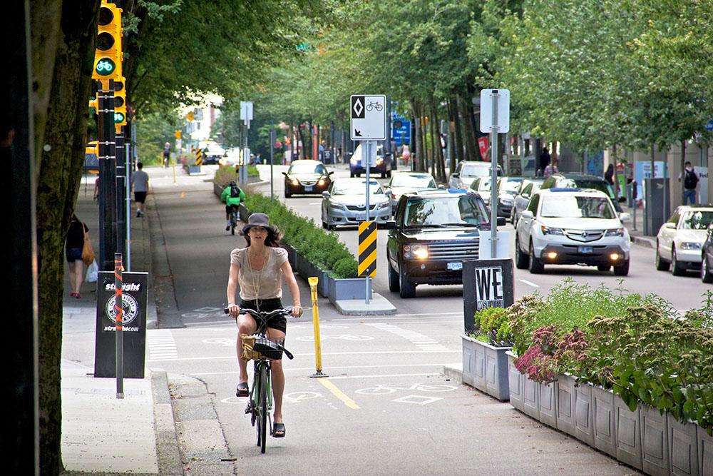 Cyclist on Hornby separated bike lane in Vancouver (Paul Krueger/Flickr)