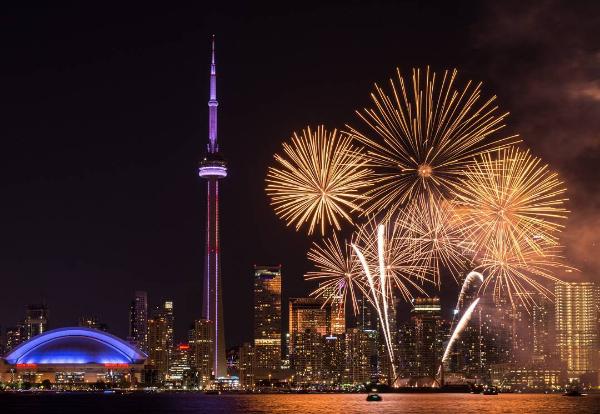 Canada Day fireworks light up Toronto