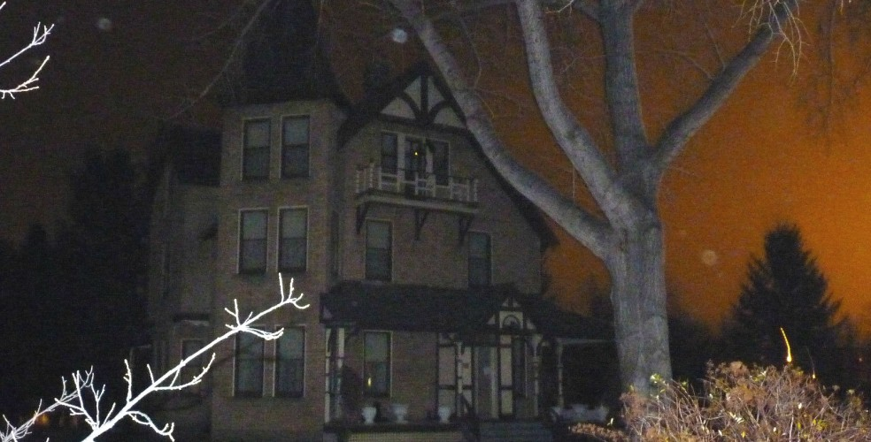 The 13 most haunted places in calgary daily hive calgary for Classic house akasaka prince