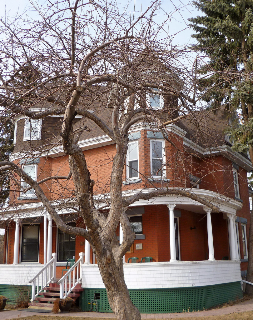 Suitor House Calgary Haunted