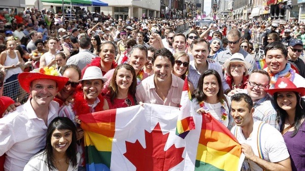 12 of the best photos of Justin Trudeau at Pride Toronto