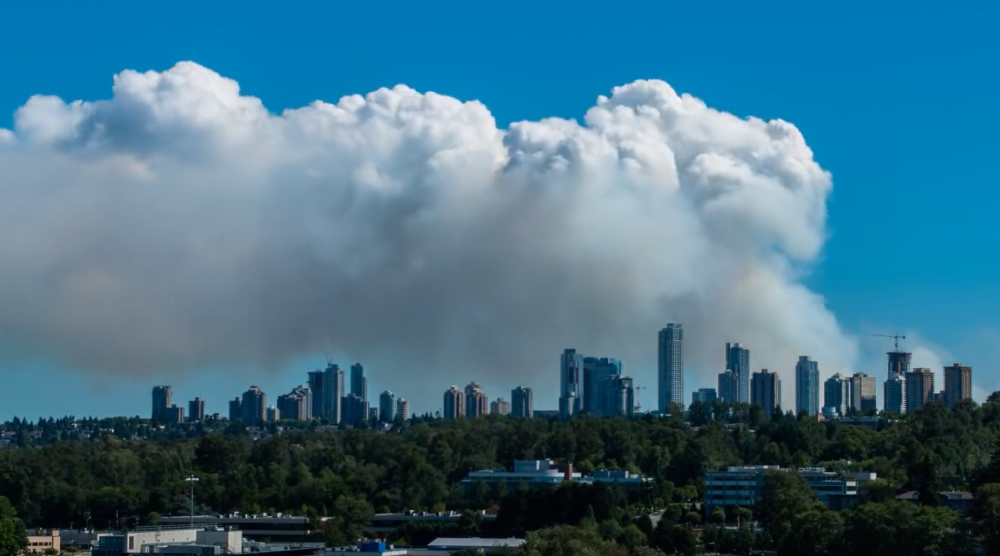 Surreal time lapse of Burns Bog fire with Metrotown skyline (VIDEO)